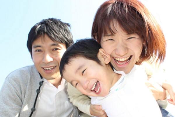 インフルエンザに負けない笑顔の家族写真