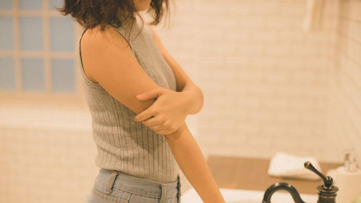 掻いたらミミズ腫れが・・・原因は蕁麻疹?治し方やアレルギーの心配は